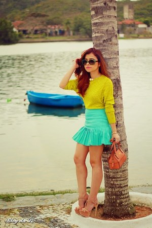 aquamarine skirt - lime green blouse