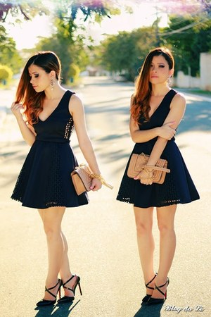 black dress - black pumps