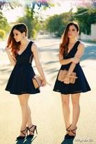 black dress - black pumps