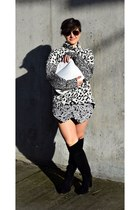 black otk boot Michael Kors boots - white animal Topshop sweater