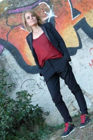 Zara blazer - Converse sneakers - Zara top - Zara pants