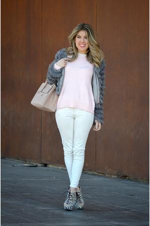 white Zara jeans - light pink Zara sweater