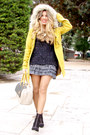 Black-zara-boots-mustard-pull-bear-coat-blanco-bag-black-primark-jumper