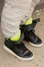 Levis-jacket-native-youth-pants-adidas-sneakers
