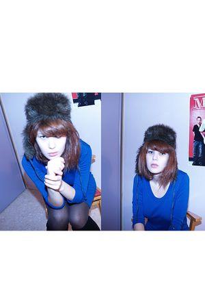 blue H&M dress - blue Lafayette hat