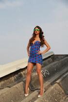 Nasty Gal dress - carrera sunglasses - Aldo heels
