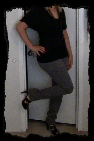 black top - gray jeans - black shoes - black necklace - black earrings