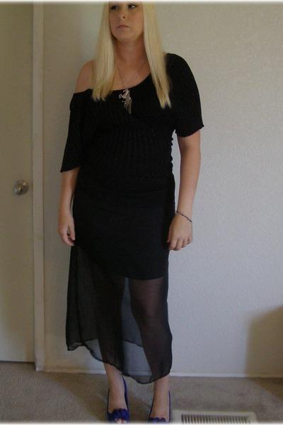 black DIY skirt - silver horse Forever 21 necklace