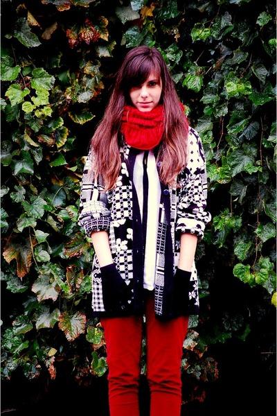 black SH sweater - off white Vero Moda shirt - ruby red scarf