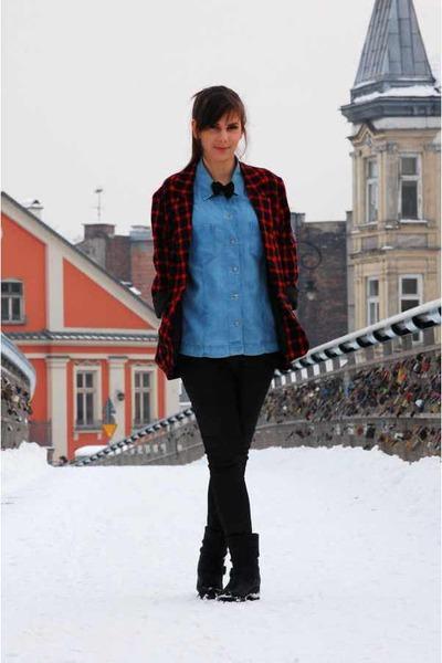 sky blue jeans SH shirt - red SH bra - black leather pants