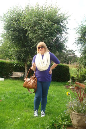 purple Topshop t-shirt - blue jeans - black Converse shoes - beige Vero Moda sca