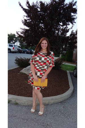 brick red Alice  Olivia dress - mustard francescas purse - white Aldo sandals