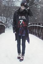 crimson high tops Choies boots - brick red jersey Choies shirt