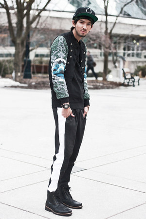 forest green shark Zara shirt