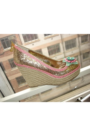 aquamarine BOBU wedges