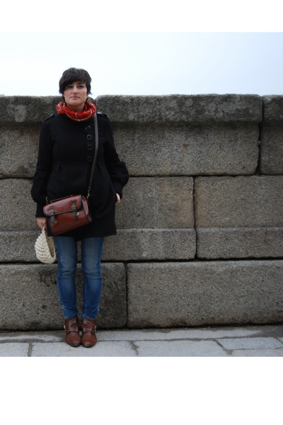 black pull&amp;bear coat - red pull&amp;bear scarf - Bershka jeans - brown accessories -