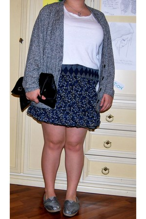 TOMS shoes - Stradivarius cardigan - ovs skirt