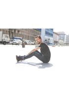Dr Martens boots - River Island jeans - H&M t-shirt