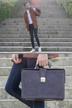 Zara shirt - pull&bear coat - River Isalnd jeans - Zara bag - Converse sneakers