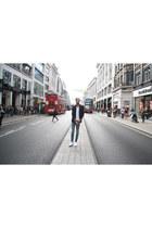 H&M jeans - Zara blazer - H&M t-shirt - Converse sneakers