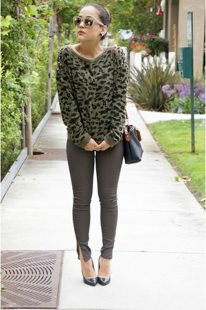 camo Camoflauge Sweater sweater - faux leather Zara jeans
