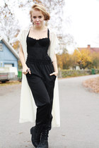 ivory lace shouldered Monki cape - black Scorett boots - black loose Monki pants