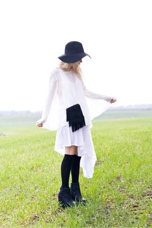 black H&M hat