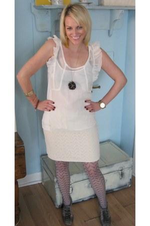 silver nylon calvin kleinvin Kelin tights - white silk Charlotte Ronson blouse -