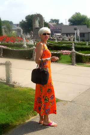 vintage dress - Louis Vuitton bag - Guess sunglasses - Aldo sandals