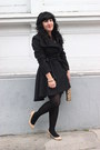Steve-madden-coat-bodycon-h-m-dress-umbrella-coach-accessories