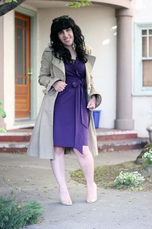 beige trench Viktor & Rolf H&M coat - purple wrap Diane Von Furstenburg dress