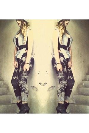 dark gray discolored jeans