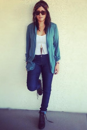 dark brown boots - blue jeans - white shirt - bronze sunglasses - teal blouse