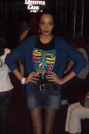 romwe t-shirt - Mr Price shorts - Mr Price cardigan - Aldo heels - diva earrings