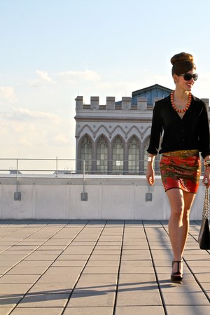 aztec skirt asos skirt - Chanel purse - classic Chanel sunglasses - Theory top
