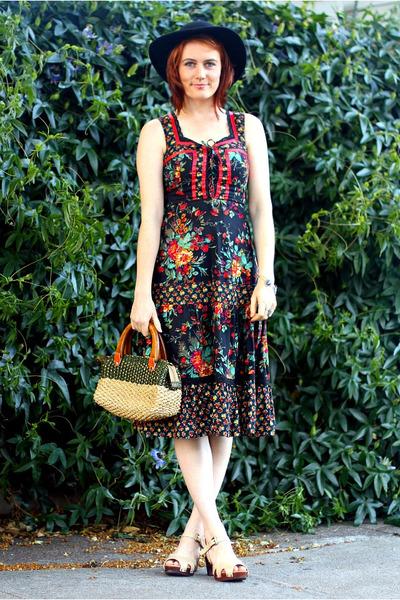 maroon vintage dress - black vintage hat - eggshell sandals miz mooz clogs