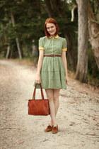camel vintage shoes - green vintage dress - bronze thrifted bag