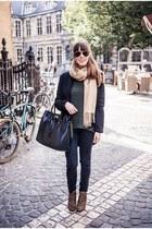 black tote Michael Kors bag - bronze leopard Sacha boots