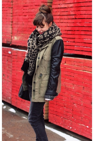 black leather asos bag - army green parka Zara coat - black skinny Zara jeans