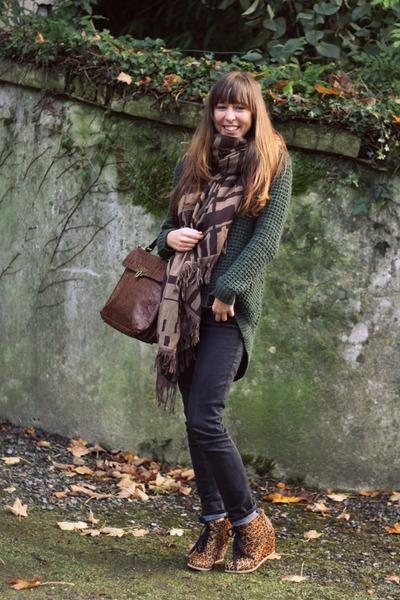 bronze leopard essentiel wedges - dark gray skinny Lee jeans