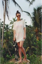 ivory beach cover up WomenSecret dress - red mirrored ray-ban sunglasses