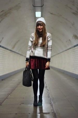 black booties Sacha boots - ivory beanie WE fashion hat - white Choies sweater