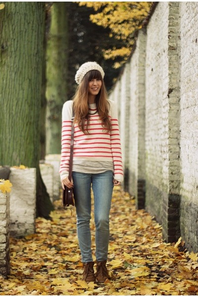 ruby red striped Topshop sweater - light blue skinny Levis jeans