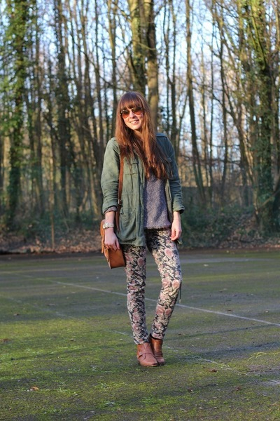 puce floral Mango pants - dark brown leather Sacha boots