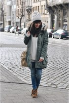 white sweater Mango sweater - navy skinny jeans WE fashion jeans
