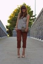 tawny capri Pinko pants - gold sequin Zara bag - ivory peep toe Pinko heels