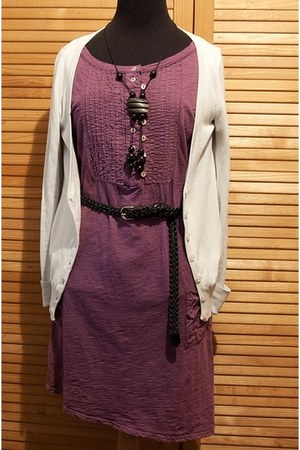 black woodrope necklace - amethyst short sleeves dress - black braided belt