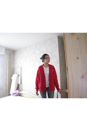 red vintage cardigan - white thrifted shirt - blue banana republic jeans - black