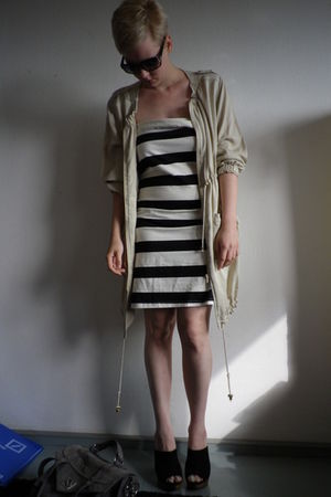beige H&M jacket - black H&M dress - black Zara shoes - black Mango sunglasses -
