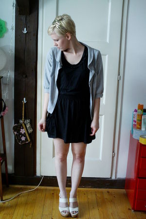 black Zara skirt - black Zara t-shirt - gray H&M sweater - white BCBGgirls shoes
